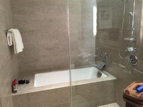 badewanne mit duschkabine bathtub shower combo picture of international