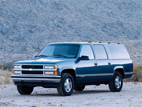 how do i learn about cars 1994 chevrolet 3500 engine control 1994 chevrolet suburban gmt400 pictures information and specs auto database com