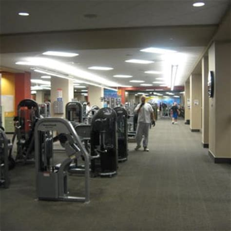 Showers At La Fitness by La Fitness 47 Photos 100 Reviews Gyms 1270 Ne Weidler St Broadway District Portland