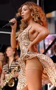 beyonce yikes their wardrobe malfunctions