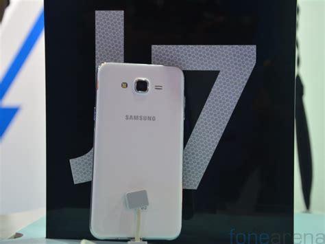 Samsung F 7 by Samsung Galaxy J7 On