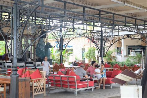 byrdhouse beach club sanur  restaurants cafe