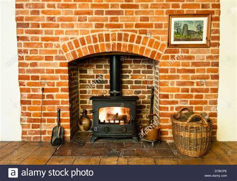 mauerwerk outdoor kamin pläne stove fireplace brick heat stockfotos stove fireplace