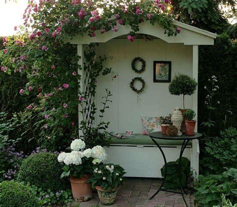 outdoor dekorieren ideen fã r gartenlaube philosophenbank nur foto pflanzen und