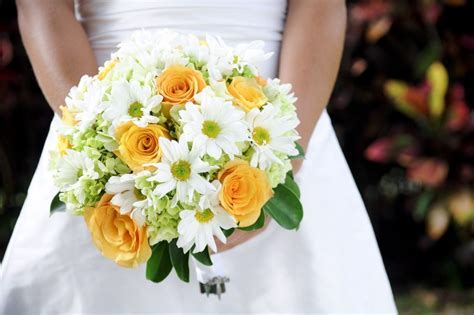 Wedding Flowers: wedding flowers bouquets daisies