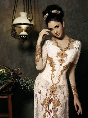 Kebaya Setelan Brokat Betwing Milo 1000 images about indonesia kebaya on traditional javanese and wedding
