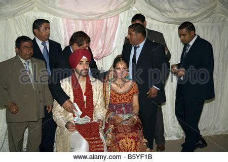 Wedding Ceremony Giving Of The by Giving Gifts To The And Groom At Wedding Ceremony In