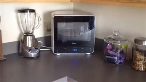 whirlpool 0 5 cu ft countertop microwave in black customer reviews whirlpool wmc20005yw