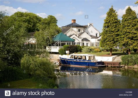 river thames boat hire bray monkey island on river thames near bray stock photo