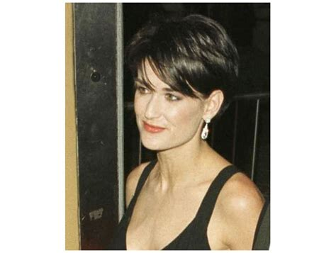 demi moore hair cuts mia farrow haircut demi moore shaved her head for 1997 s