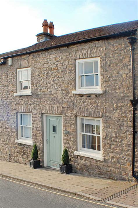 Leyburn Cottages by Leyburn Cottage In