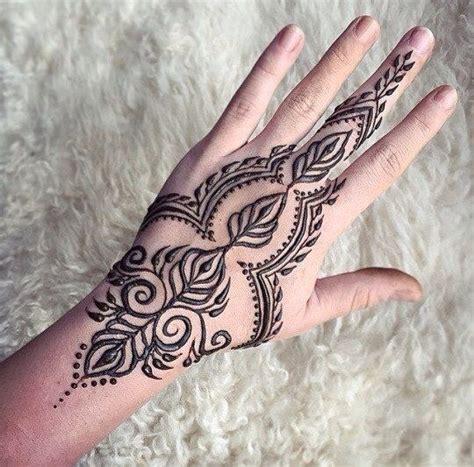 shift pattern hand tattoo 17 best ideas about henna hand tattoos on pinterest