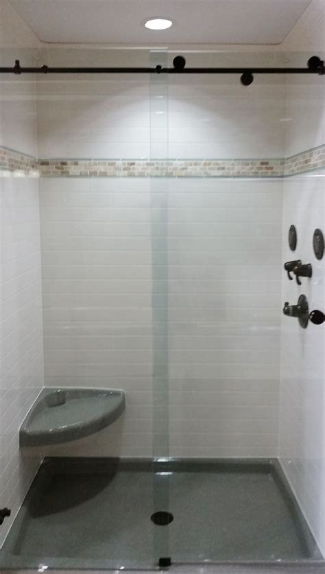 onyx bathroom tile 26 best onyx showers and vanities images on pinterest