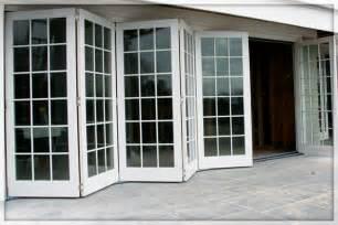 Accordian Glass Doors 22 Accordian Doors Ease And Interior Exterior Doors