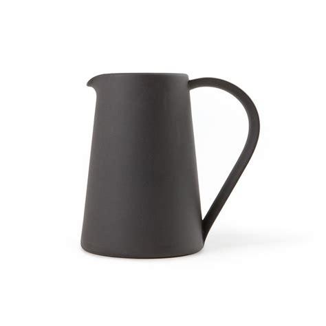trouva pitcher  black
