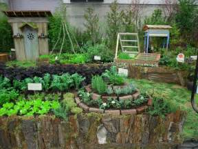 Backyard Vegetable Garden Layout Permaculture Kitchen Garden Herb Spiral 201 Clectique