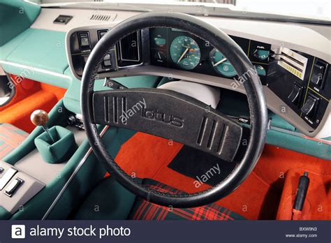 the who loved me lotus esprit the who loved me 1976 bond 007 underwater lotus