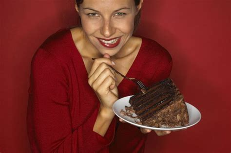 Eat Cakelose Weight by Eat Chocolate All Day And Lose Half A In Two Weeks