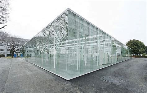 Architecture with Nothing to Hide: 13 Glass Box Buildings