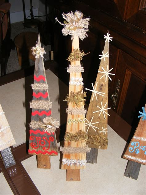 christmas garland on buffett pics 17 best images about upcycled on trees trees and ornament