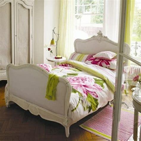 blumen im schlafzimmer fr 252 hlingsdeko im schlafzimmer 44 wundervolle ideen