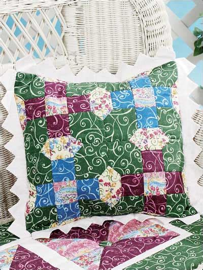 Pillow Quilt Patterns Free by Quilting Pillows Lattice Posies Pillow Free Quilting