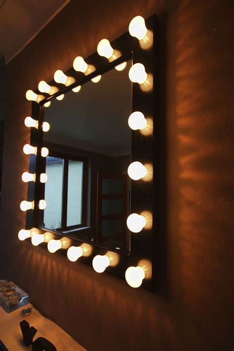 length mirror with light bulbs backstage dressing room type mirror 27 5 quot high 25 5