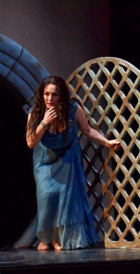 Racettes Salome Puts Lurid Seal On Opera San Antonio