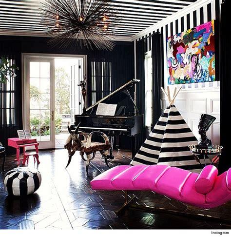 Kourtney Interior Design by Take A Peek Inside Kourtney S Home Toofab
