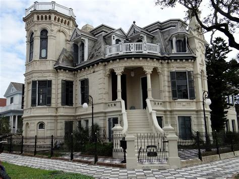 old mansions for sale cheap best 25 old mansions for sale ideas on pinterest