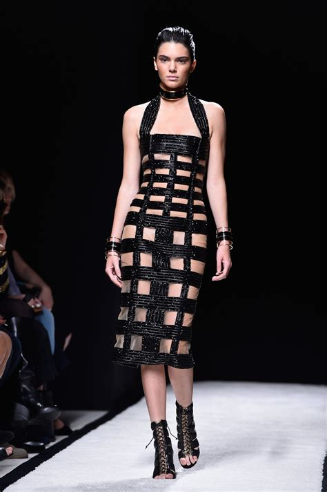 kendall jenner fashion week 2014 kendall jenner on the catwalk paris fashion week the