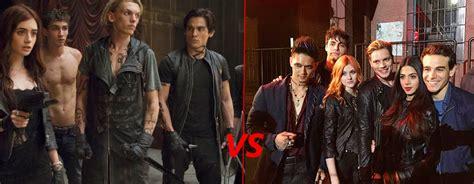 matthew daddario origini shadowhunters confronto tra il cast del film e quello