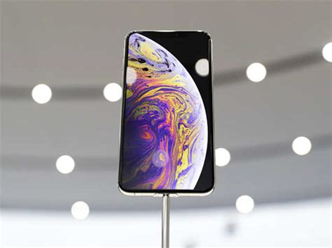iphone xs max review is it worth the rs 1 09 900 you ll to spend the economic times