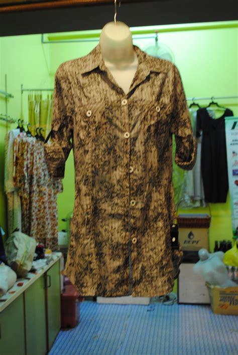 New Apr 17 Blouse Wanita Big Size 2l 3l 4l Warna Putih Tulang 1 pengimport pemborong pembekal pakaian dari luar negara modern blouse cotton