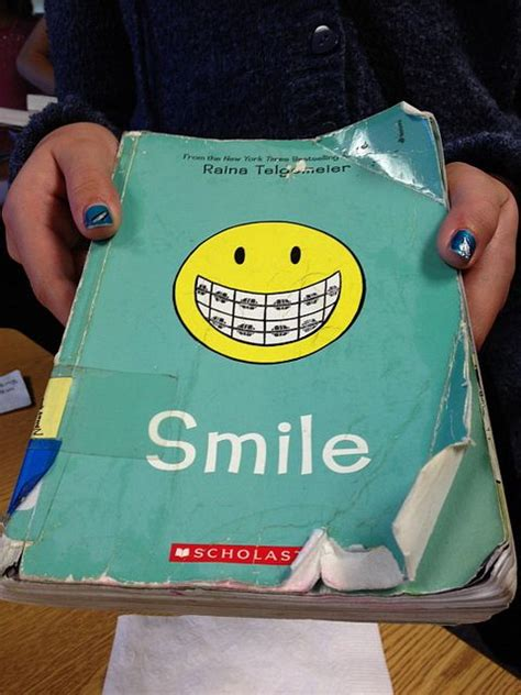 libro smile or get out pin by maria selke on comics graphic novels for kids