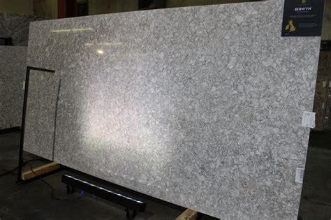 quarz countertops badezimmer die besten 25 cambria berwyn ideen auf