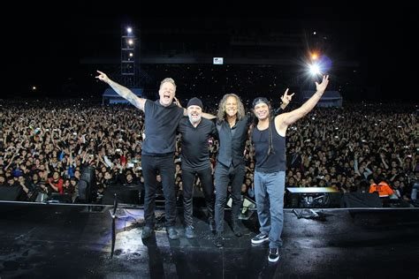metallica koncert metallica catalog returns to napster after 17 years exclusive