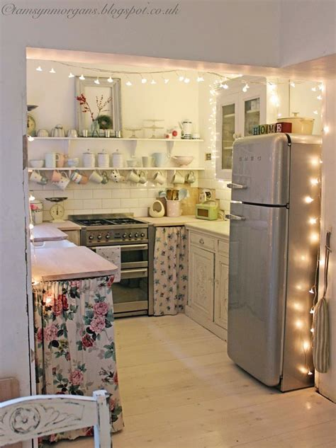 cheap kitchen decorating ideas for apartments 25 best ideas about small apartment kitchen on pinterest
