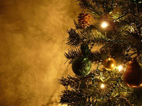 wallpaper christmas season free christmas desktop wallpapers for the holiday season