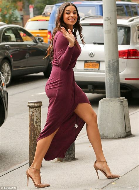 Jordin Sparks displays her sculpted legs in a sexy thigh