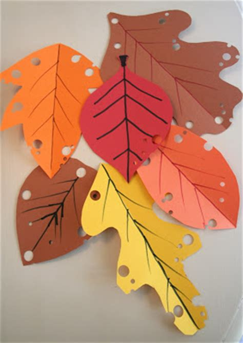 Construction Paper Fall Crafts - mmmcrafts easy autumn leaf craft
