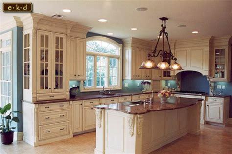 modernes küchen layout wohnzimmer wandgestaltung rot