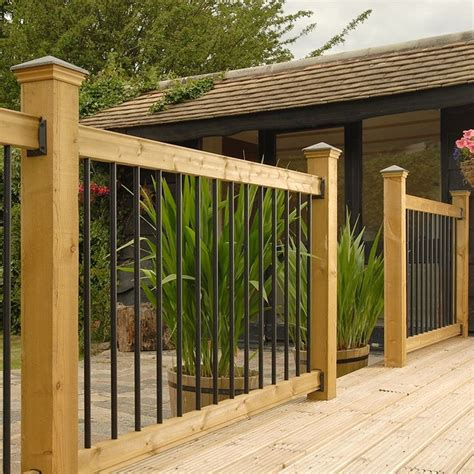 Porch Railing Spindles 25 Best Ideas About Deck Railings On Railings