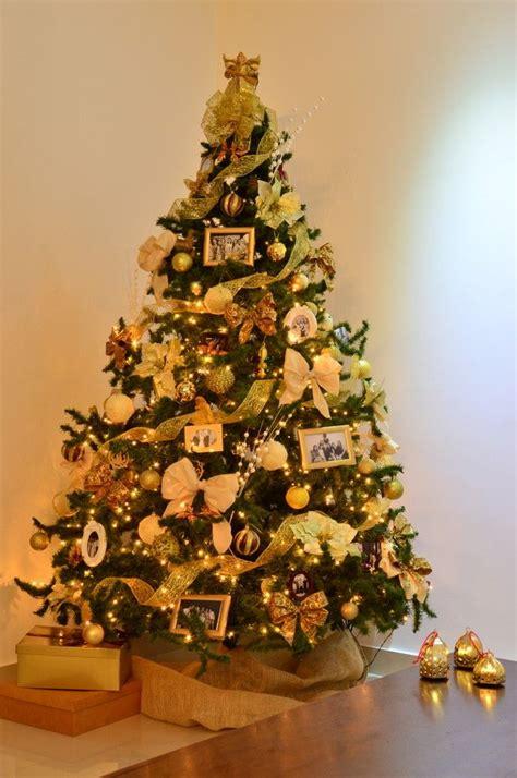 decoração arvore de natal vermelho e branco 25 melhores ideias sobre arvore de natal dourada no