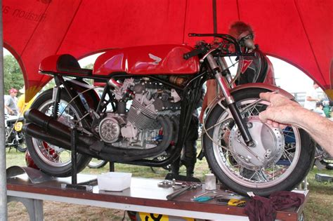 Motorrad Classic Rennen by The Velobanjogent Classic Motorcycle Racing From Pukekohe