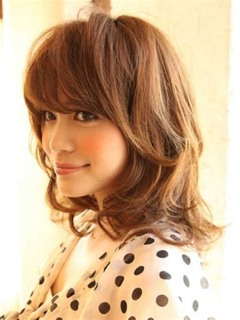 shoulder hairstyles with volume shoulder length hair with bangs hey you over hair