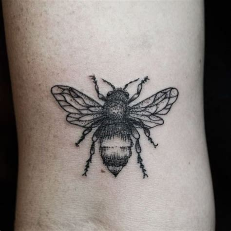 small bumble bee tattoo 17 best ideas about bee on bumble bee