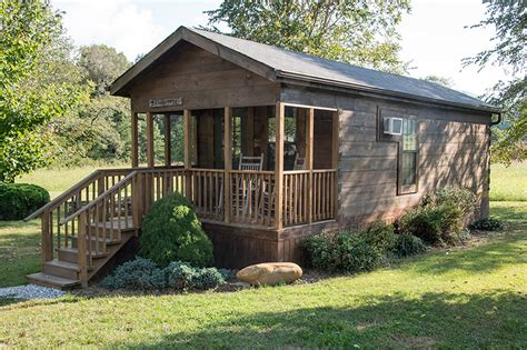 one bedroom cabin catfish creek one bedroom cabin with loft in cground with creek tube