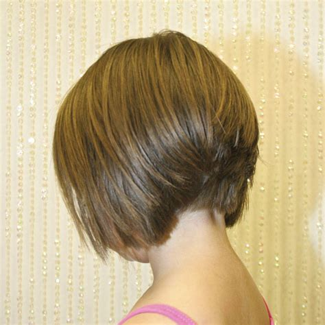 cutting a stacked angled bob hair short medium cuts on pinterest haircuts medium