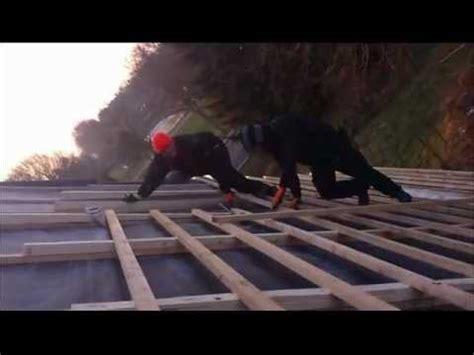 dach decker der dumme dachdecker 100 schl 228 ge f 252 r einen nagel